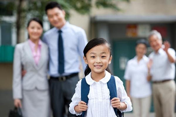 Đi học là quyền lợi và trách nhiệm của con mà mẹ ơi